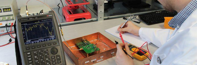 Entwicklungsarbeiten für ein Produkt: Steuerelektronik für Pflegebett